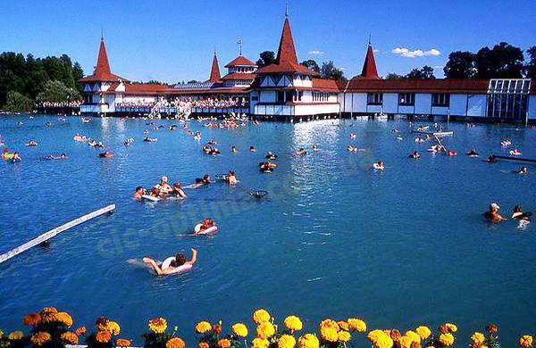 Озеро Хевиз, Венгрия. Лечебные туры на Хевиз от туроператора ОПТИМА