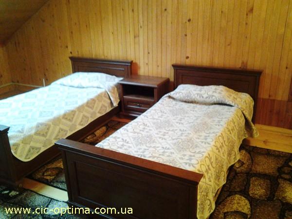 Корпус и номере в лагере Шоколад Славское. Фото территории лагеря Шоколад Славское. Катание на лыжах в Славском